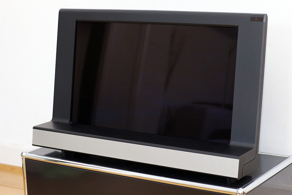bang olufsen b o beovision 8 26 lcd fernseher mit. Black Bedroom Furniture Sets. Home Design Ideas